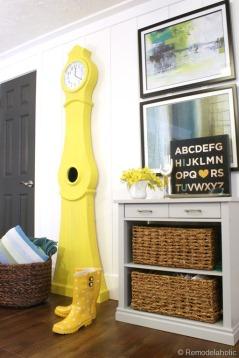 Swedish Mora Clock via http://www.remodelaholic.com/build-a-swedish-clock-part-two/